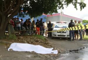 03.02.15 - Homem morto no Guara - Leonardo Arruda Metropoles