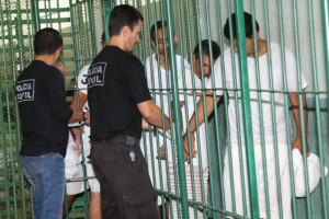26.02.16 - Agentes Policiais de Custodia fazendo transferência de presos - Paulo Cabral (10)