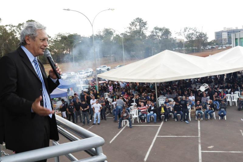 O deputado distrital Raimundo Ribeiro colocou a CLDF à disposição dos policiais civis